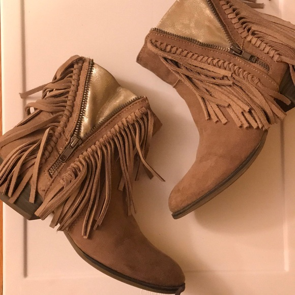 5a11a8851cd6 UNIONBAY Shoes - UNIONBAY - Fringe Tan Booties - Size 8